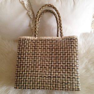 Handbags - 🌴HP!🌴Beautiful Handwoven Tote Bag